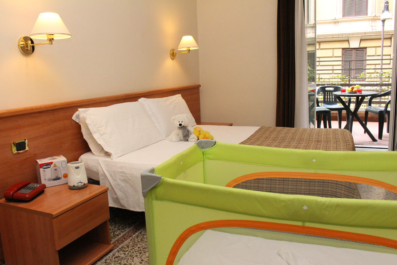 chauffe biberon hotel